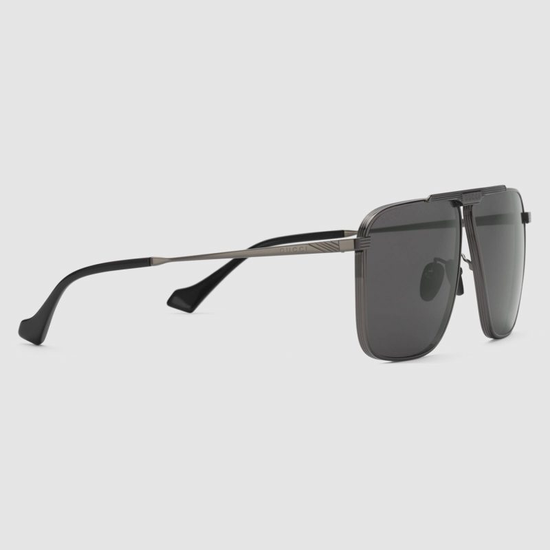 643007_I3330_8112_002_100_0000_Light-Aviator-sunglasses